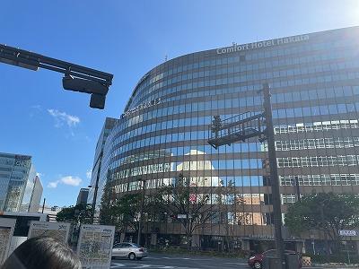 博多駅のランドマーク・地下直結でショッピングセンターも入居している大型オフィスビス
