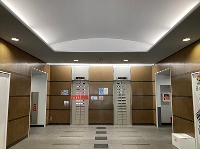 天神5丁目のイオン天神ショッパーズそばの大型オフィスビル